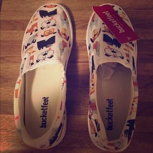 Shoes - Bucketfeet brand new size 9w